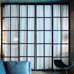 межкомнатные перегородки раздвижные стеклянные в интерьере фото 1